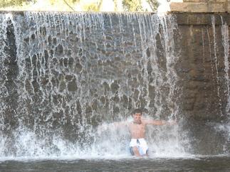 Enjoying a good water pounding shoulder massage!